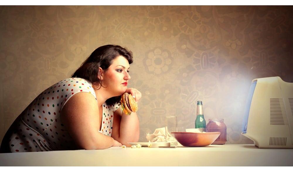 manger_devant_la_tele_est_mauvais_pour_la_sante.jpg